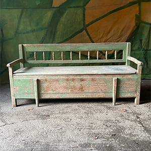 Antique BoxBed Settle in Original Paint