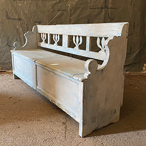 Antique Box Bench in Old White