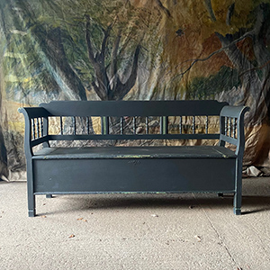 Antique Box Settle with Spindles in Dark Grey