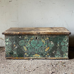 Antique Box with Love Heart in Pale Green