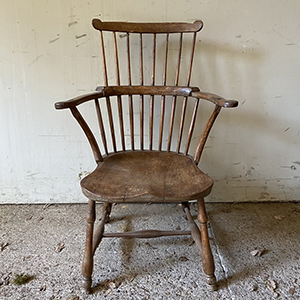 Comb-Back Windsor Chair in Ash amp Elm