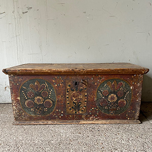 Delightful Painted Peasant Marriage Box