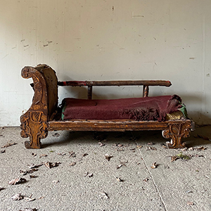 Rare Celtic Revival Small Painted Pine Chaise