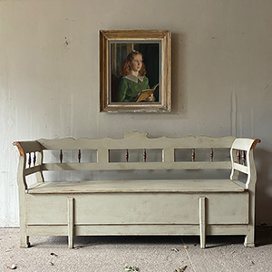 Superb Antique Pine BoxBed Settle in Old White